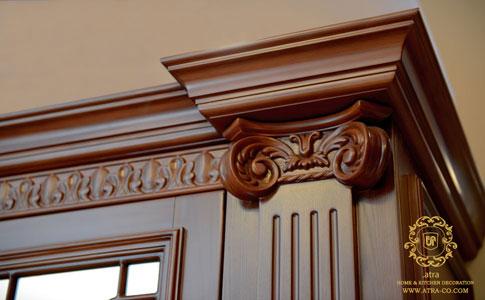 جزئیات کمد دیواری تمام چوب کلاسیک مدل پاسارگاد، طراحی و ساخت توسط گروه طراحی دکوراسیون داخلی آترا مشهد