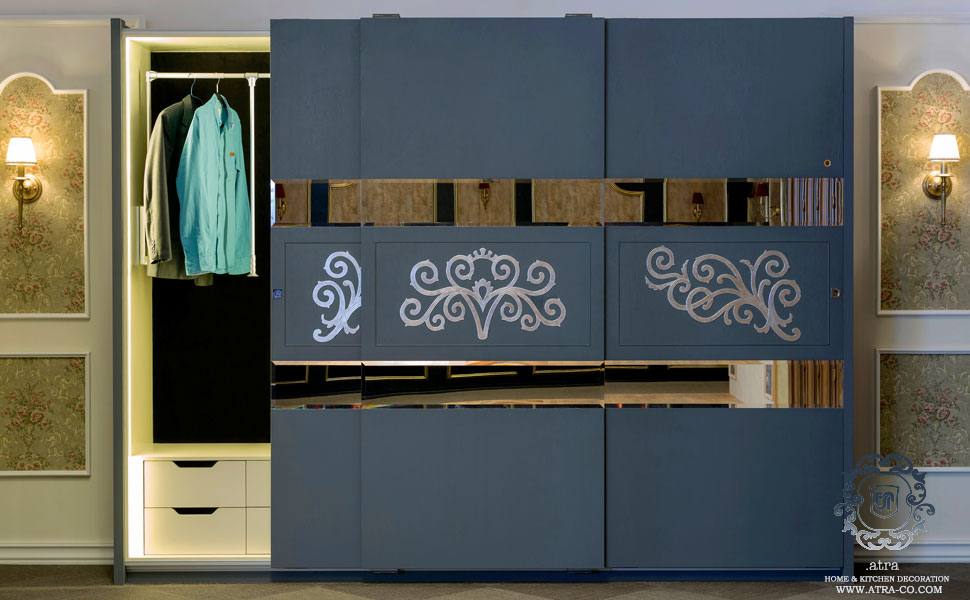 Matt polyurethane wardrobe with sliding doors to reduce the space in the room